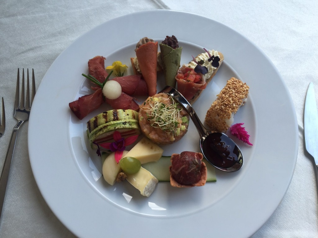 Conuri asortate,Veggie Sfecla si Doubelle Restaurant  Vanity